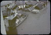 Hiller 07-088 e: Docked boats with clothes lines, Soochow Creek, number 2
