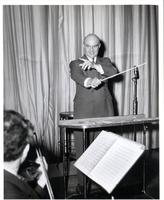 Lud Gluskin conducting