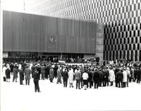 Crowd at the Federal Information Center