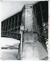 Eads Bridge-Water Level Data
