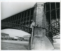 Eads Bridge-River Gauge